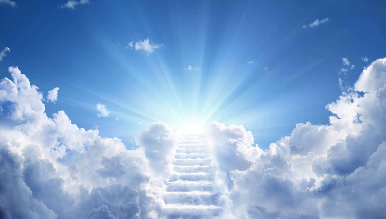 Himmel mit Treppe aus Wolken