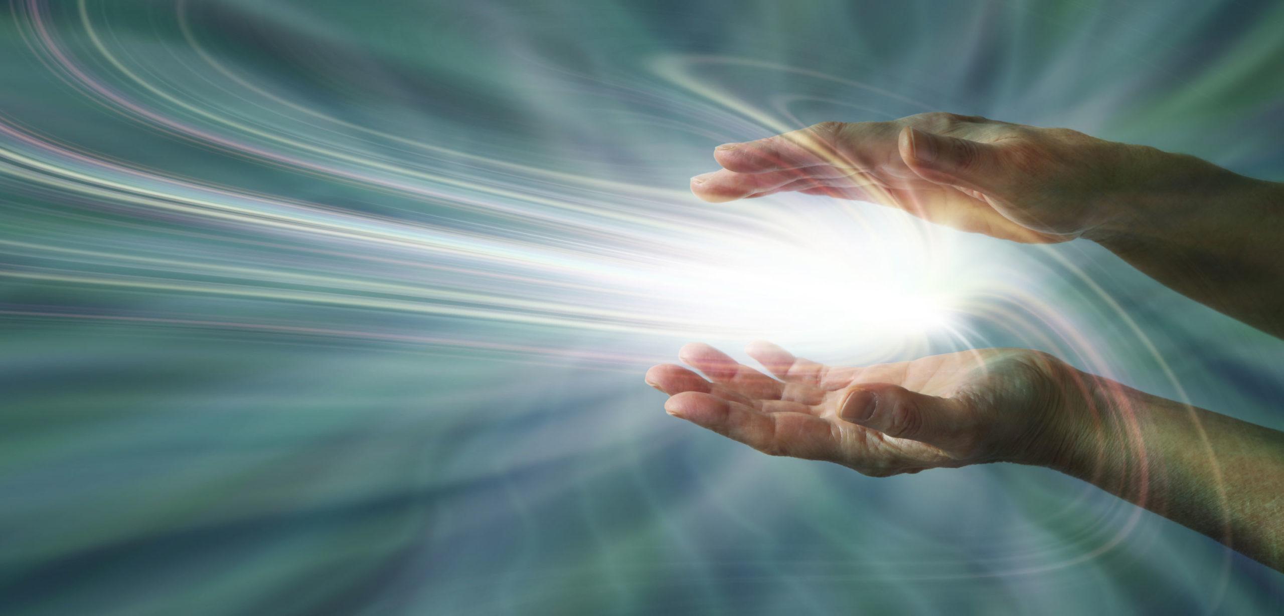 Energie wird in Händen gebündelt